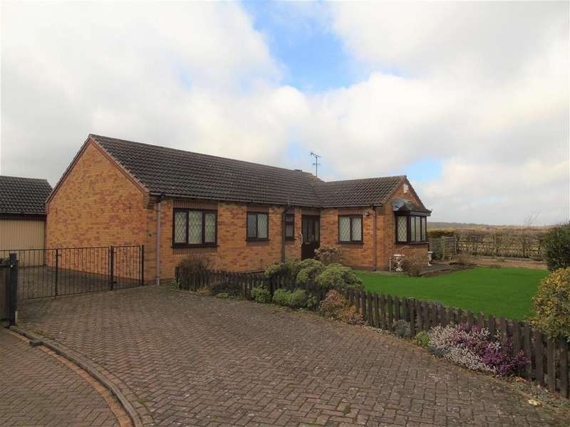 3 Bedrooms Detached Bungalow for sale in Devonshire Drive, Creswell, Worksop