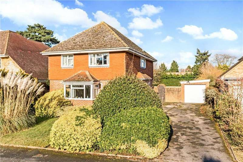 4 Bedrooms Detached House for sale in Ferndown Gardens, Cobham, Surrey, KT11