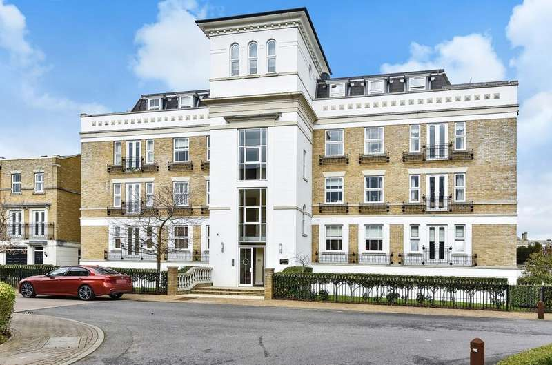 2 Bedrooms Flat for sale in St. Martins Lane Beckenham BR3