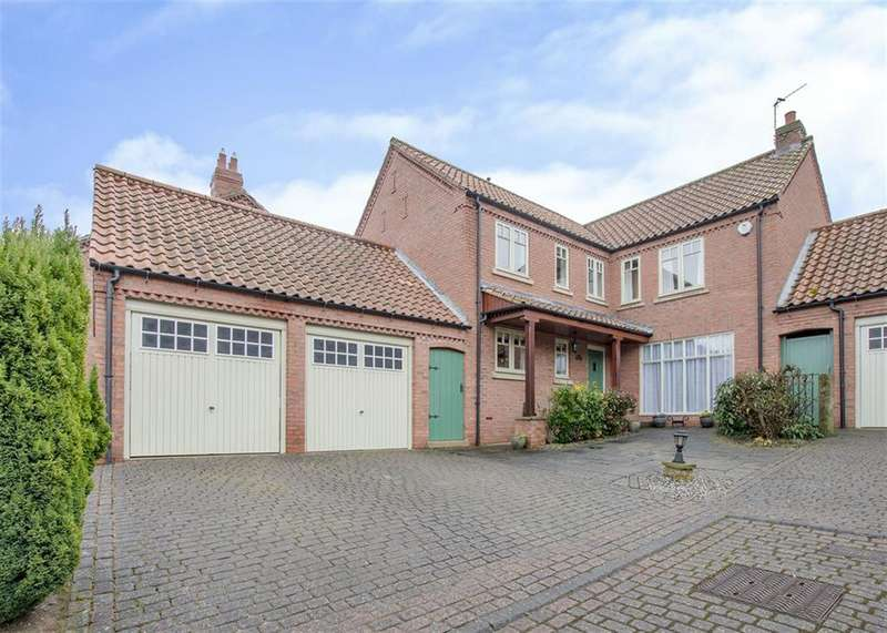 4 Bedrooms Detached House for sale in Towngate, Bawtry, Doncaster, DN10 6JS