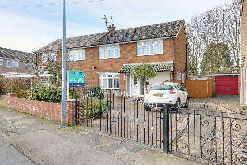 3 Bedrooms Semi Detached House for sale in Church Road, Wawne