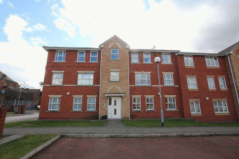 2 Bedrooms Apartment Flat for rent in Bankfield Street, Blackley, Manchester M9 8DQ