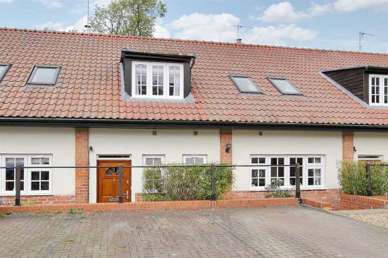 3 Bedrooms Terraced House for sale in Thruxton Farm, Cholderton, Salisbury