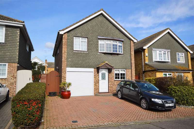 4 Bedrooms Detached House for sale in Trinder Way, Wickford