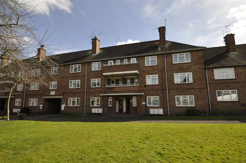 3 Bedrooms Apartment Flat for sale in Godfrey Flats, Upper Bridge Road, Chelmsford