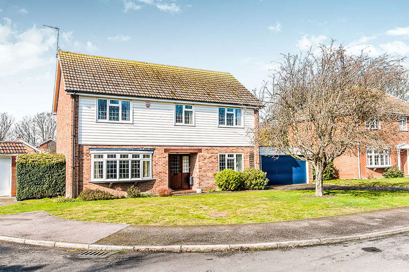 4 Bedrooms Detached House for sale in Northcliffe Gardens, Broadstairs, CT10
