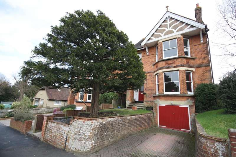 6 Bedrooms House for sale in Deerings Road, RH2
