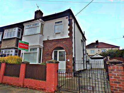 3 Bedrooms Semi Detached House for sale in Wharfedale Avenue, Prenton, CH42