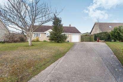 3 Bedrooms Bungalow for sale in Coxley Wick, Wells, Somerset