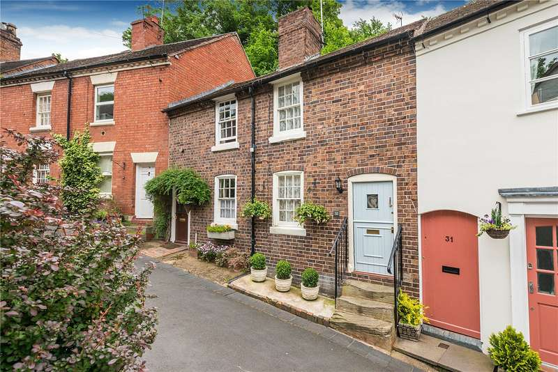 2 Bedrooms Terraced House for sale in 32 Railway Street, Bridgnorth, Shropshire, WV16