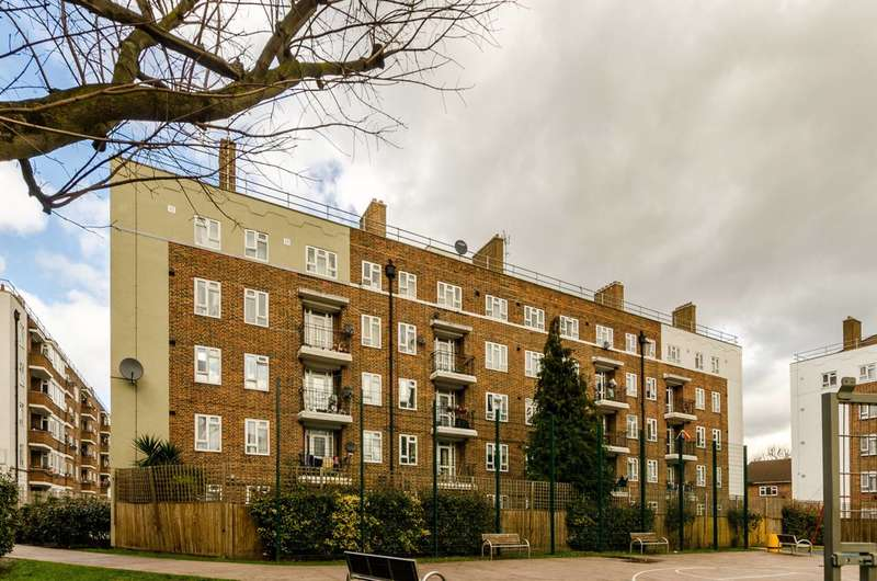 4 Bedrooms Flat for sale in Devons Road, Bow, E3