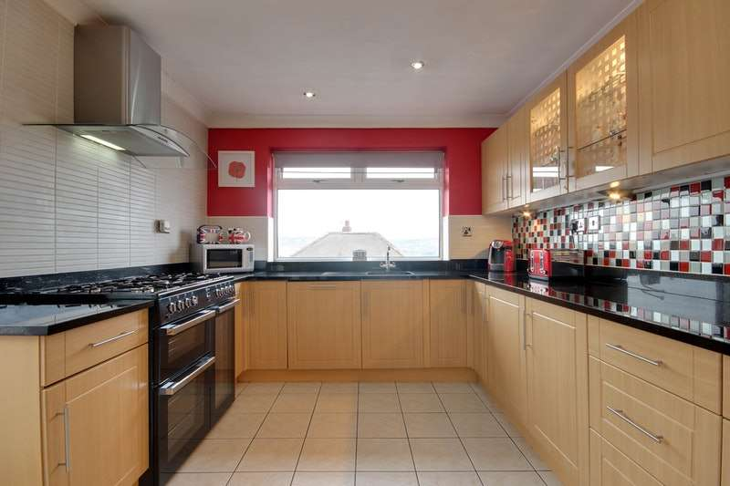 3 Bedrooms Detached House for sale in Jenkin Lane, Wakefield, West Yorkshire, WF4