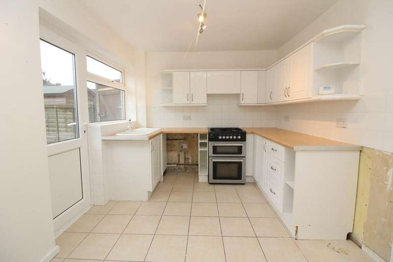 3 Bedrooms Terraced House for rent in Portslade BN41