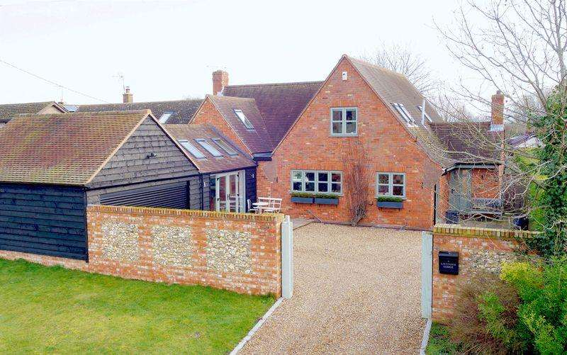 4 Bedrooms Detached House for sale in Henton, Oxfordshire
