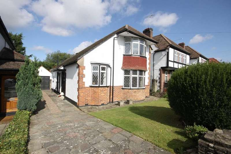 3 Bedrooms Detached House for rent in Forest Way, Orpington