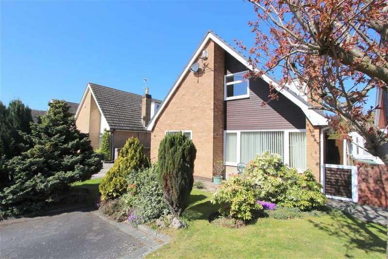 3 Bedrooms Chalet House for sale in Sabden Place, Lytham St Annes, Lancashire