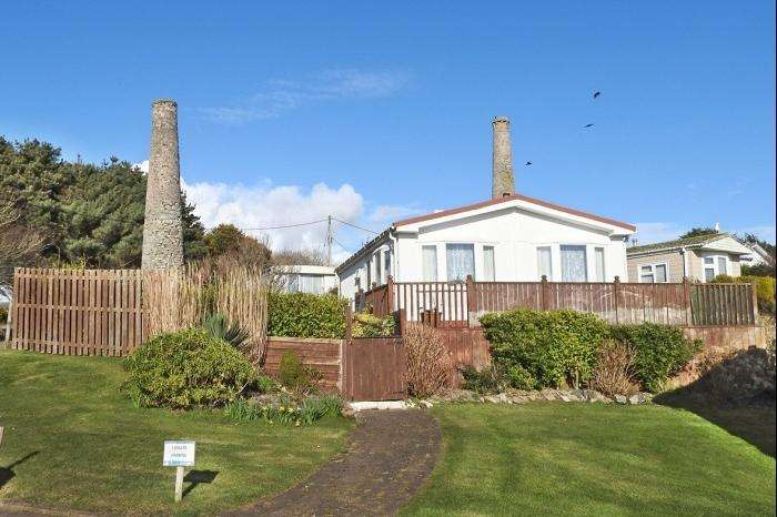 2 Bedrooms Park Home Mobile Home for sale in 11, TWO CHIMNEYS CARA PARK, PRAA SANDS, TR20