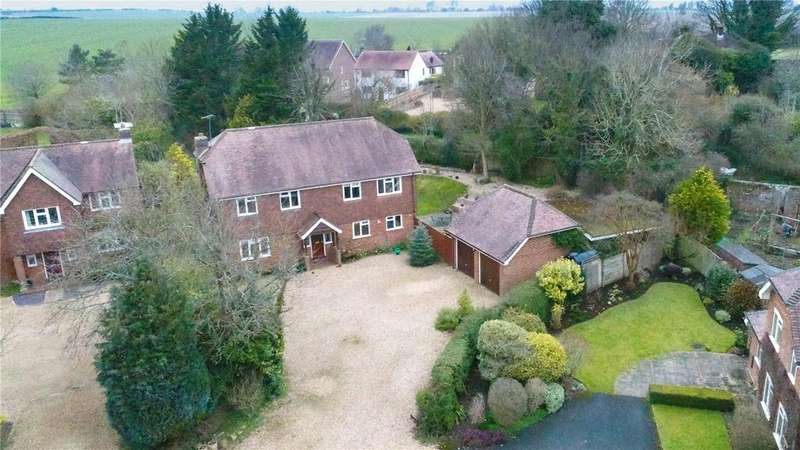 5 Bedrooms Detached House for sale in Droxford, Hampshire, SO32