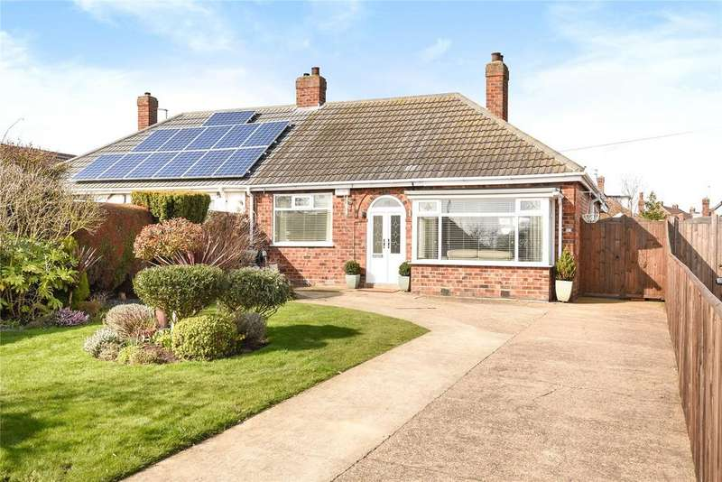 2 Bedrooms Semi Detached Bungalow for sale in Southfield Avenue, Scartho, DN33