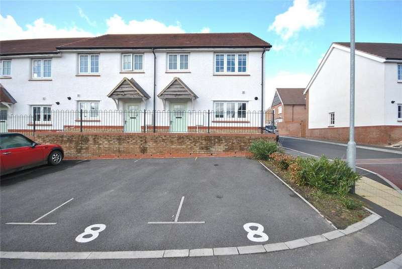 3 Bedrooms House for sale in Wambrook Place, Chard, Somerset, TA20
