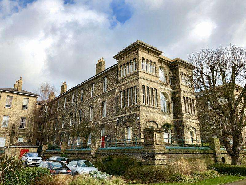 2 Bedrooms Apartment Flat for sale in Royal Herbert Pavilions, London