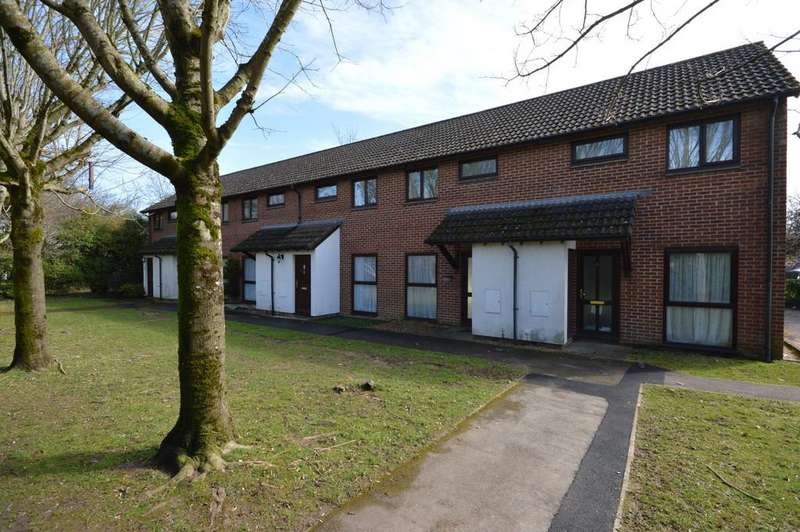 2 Bedrooms Terraced House for sale in Poplar Road, Ashley, New Milton