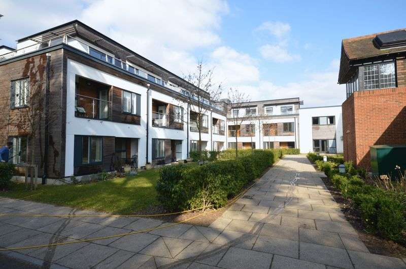 1 Bedroom Property for sale in Wispers Lane, Haslemere