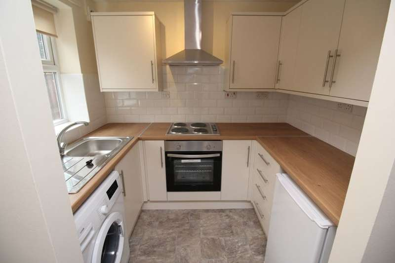 2 Bedrooms Flat for rent in Gell Street, Sheffield, S3