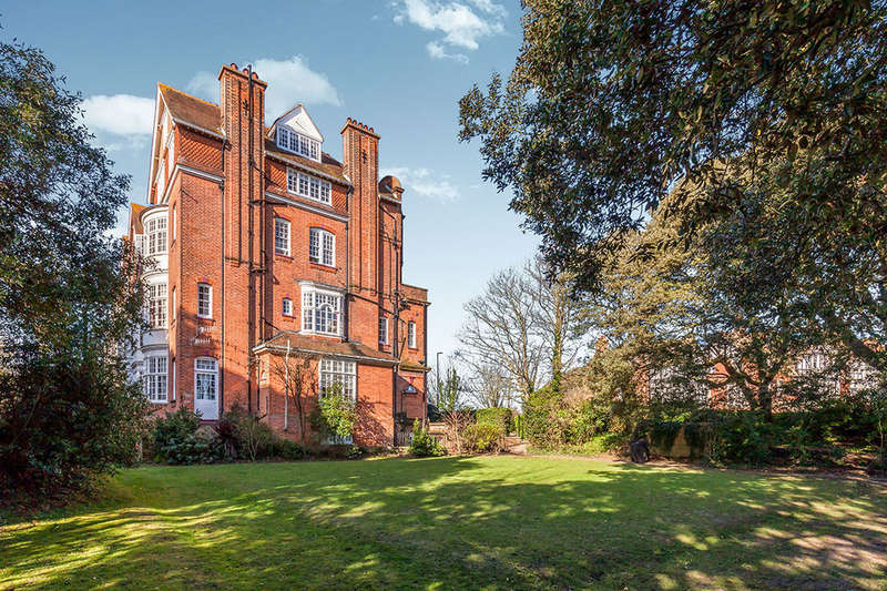 4 Bedrooms Flat for sale in Helena Court Pevensey Road, ST. LEONARDS-ON-SEA, TN38