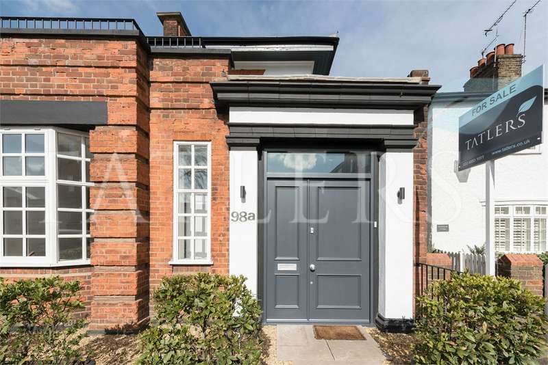 3 Bedrooms Semi Detached House for sale in Fortis Green, London