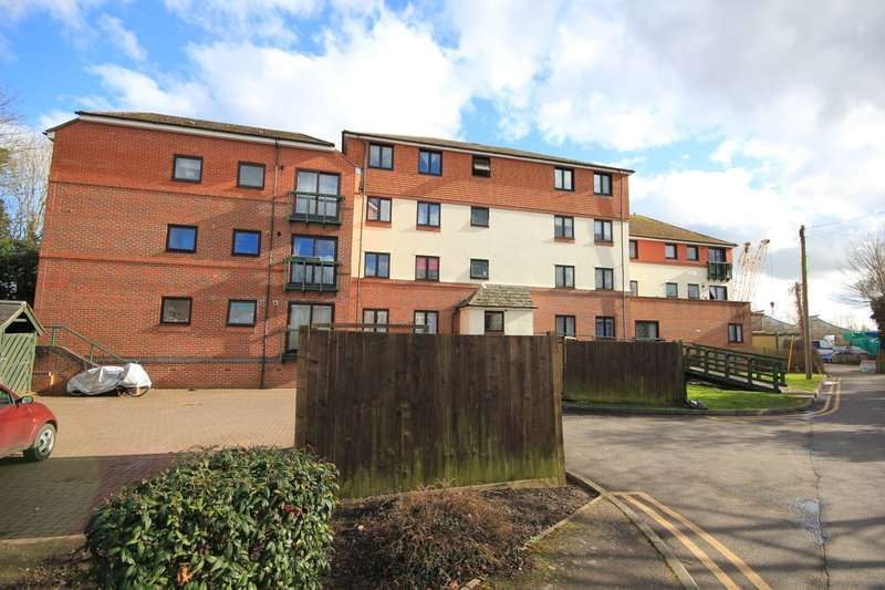 2 Bedrooms Apartment Flat for sale in Millers Court The Causeway, Caversham, Reading, RG4