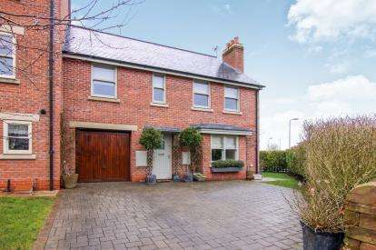 4 Bedrooms End Of Terrace House for sale in Mill Weir Gardens, Liverpool, Merseyside, England, L29