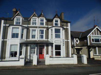 6 Bedrooms Semi Detached House for sale in Borth-Y-Gest, Porthmadog, Gynedd, LL49