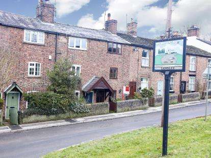 2 Bedrooms Terraced House for sale in Main Road, Langley, Macclesfield, Cheshire