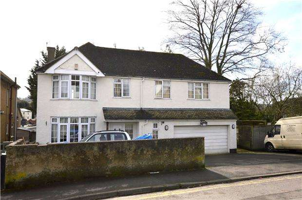 4 Bedrooms Detached House for sale in Folly Lane, Stroud, Gloucestershire, GL5 1SD