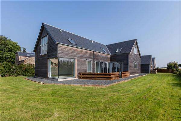 3 Bedrooms Detached House for sale in The Larch House, Huntlywood, Earlston