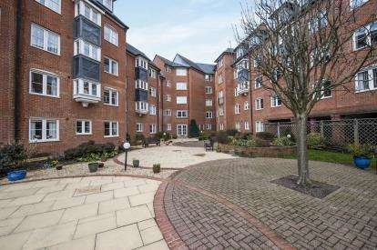 1 Bedroom Flat for sale in Castlemeads Court, 143 Westgate Street, Gloucester, Gloucestershire