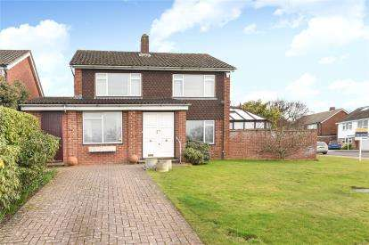 3 Bedrooms Detached House for sale in Fairbank Avenue, Orpington, Kent