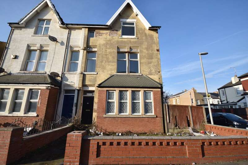 3 Bedrooms End Of Terrace House for sale in Warley Road, Blackpool