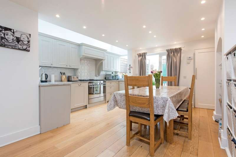 4 Bedrooms Terraced House for sale in Ashness Road, Battersea, London