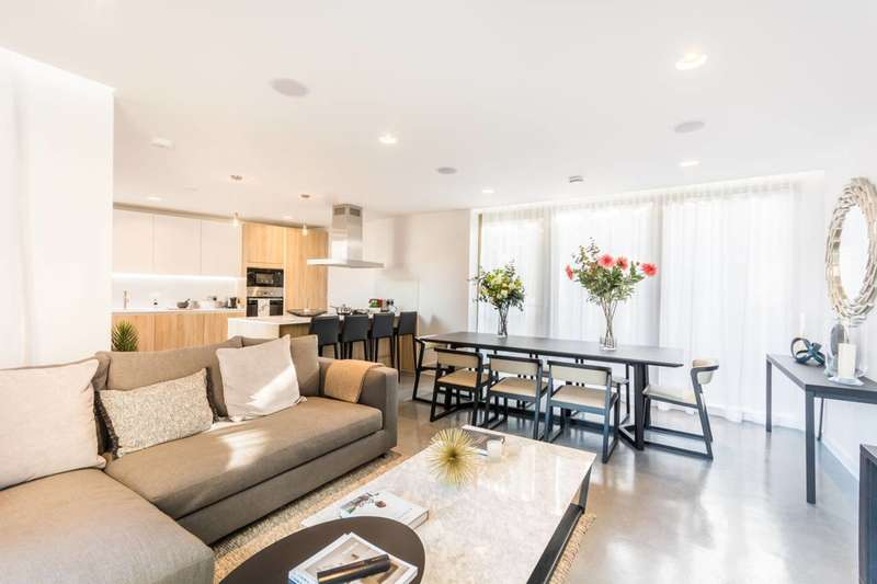3 Bedrooms Flat for sale in Monohaus, London Fields, E8
