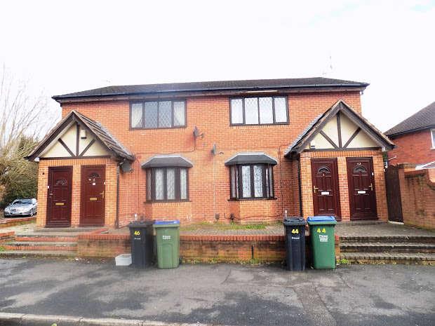 2 Bedrooms Flat for rent in CRADLEY HEATH, West Midlands, B64