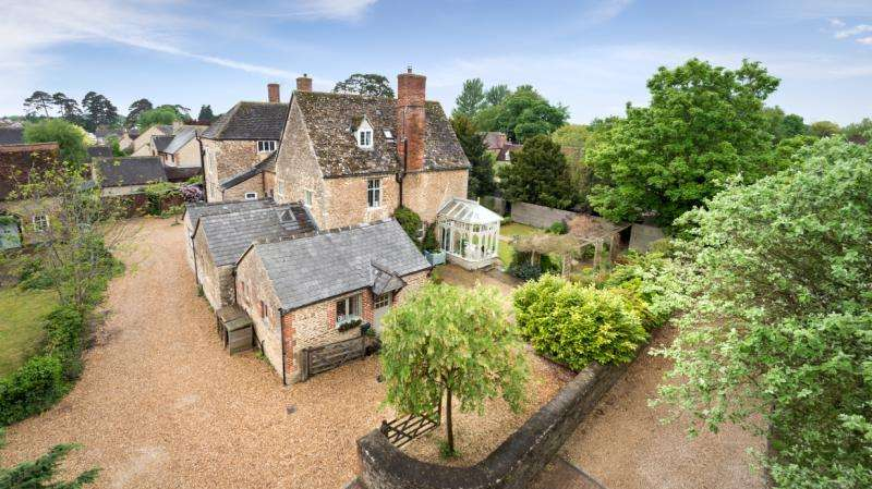 4 Bedrooms Semi Detached House for sale in The Stone House, Faringdon Road, Kingston Bagpuize, Abingdon