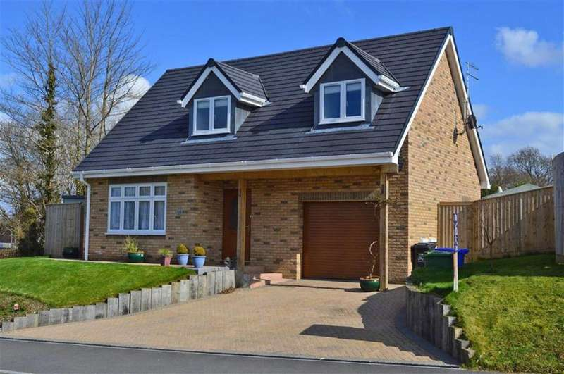 3 Bedrooms Chalet House for sale in Merley Gardens, Wimborne, Dorset