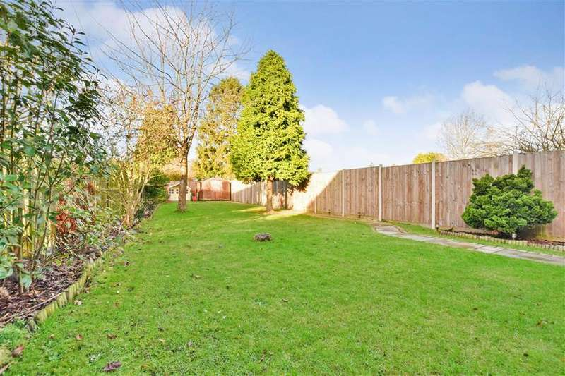 3 Bedrooms Semi Detached House for sale in Lynn Walk, Reigate, Surrey