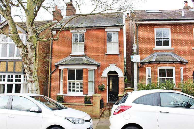 3 Bedrooms Detached House for sale in Kingsbury Avenue, St. Albans