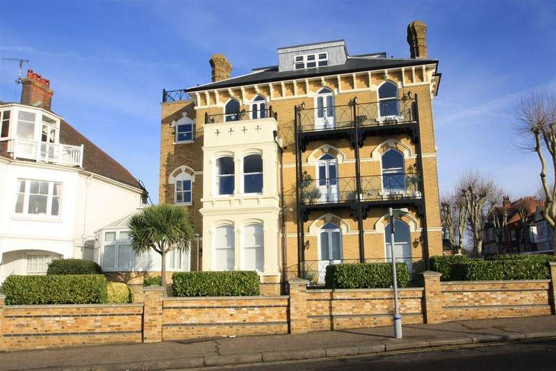 2 Bedrooms Apartment Flat for sale in Allcoat House, Westcliff Parade, Westcliff-on-Sea