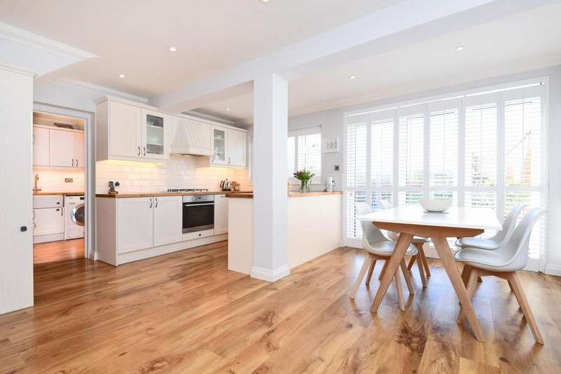 3 Bedrooms Semi Detached House for sale in Church Drive, West Wickham