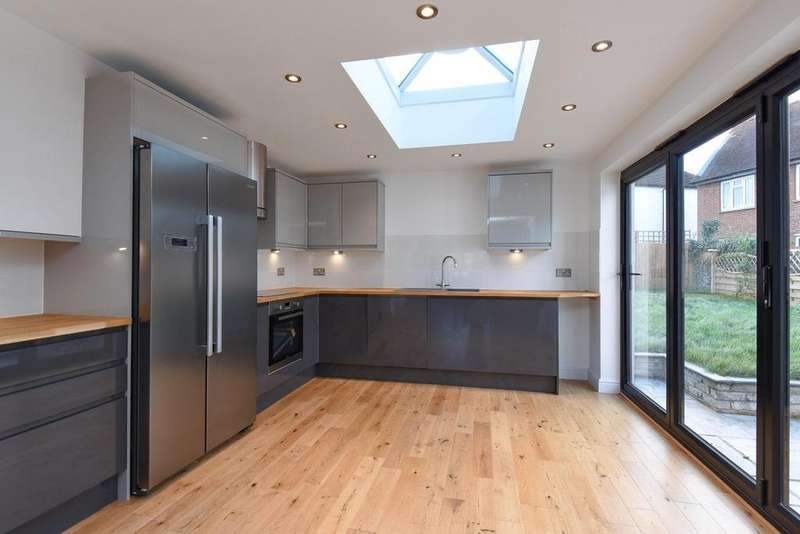 4 Bedrooms End Of Terrace House for sale in Baston Road, Hayes