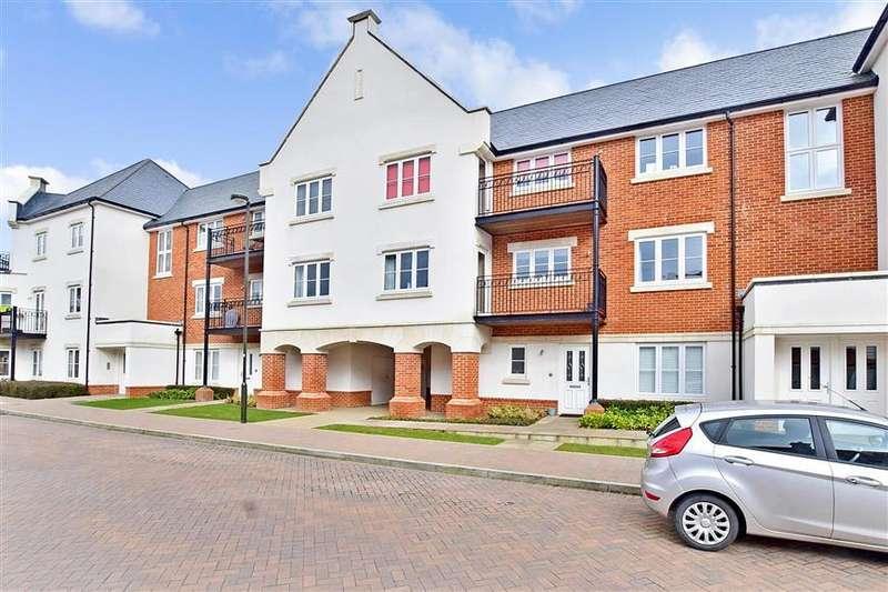 2 Bedrooms Apartment Flat for sale in Longhurst Avenue, Horsham, West Sussex